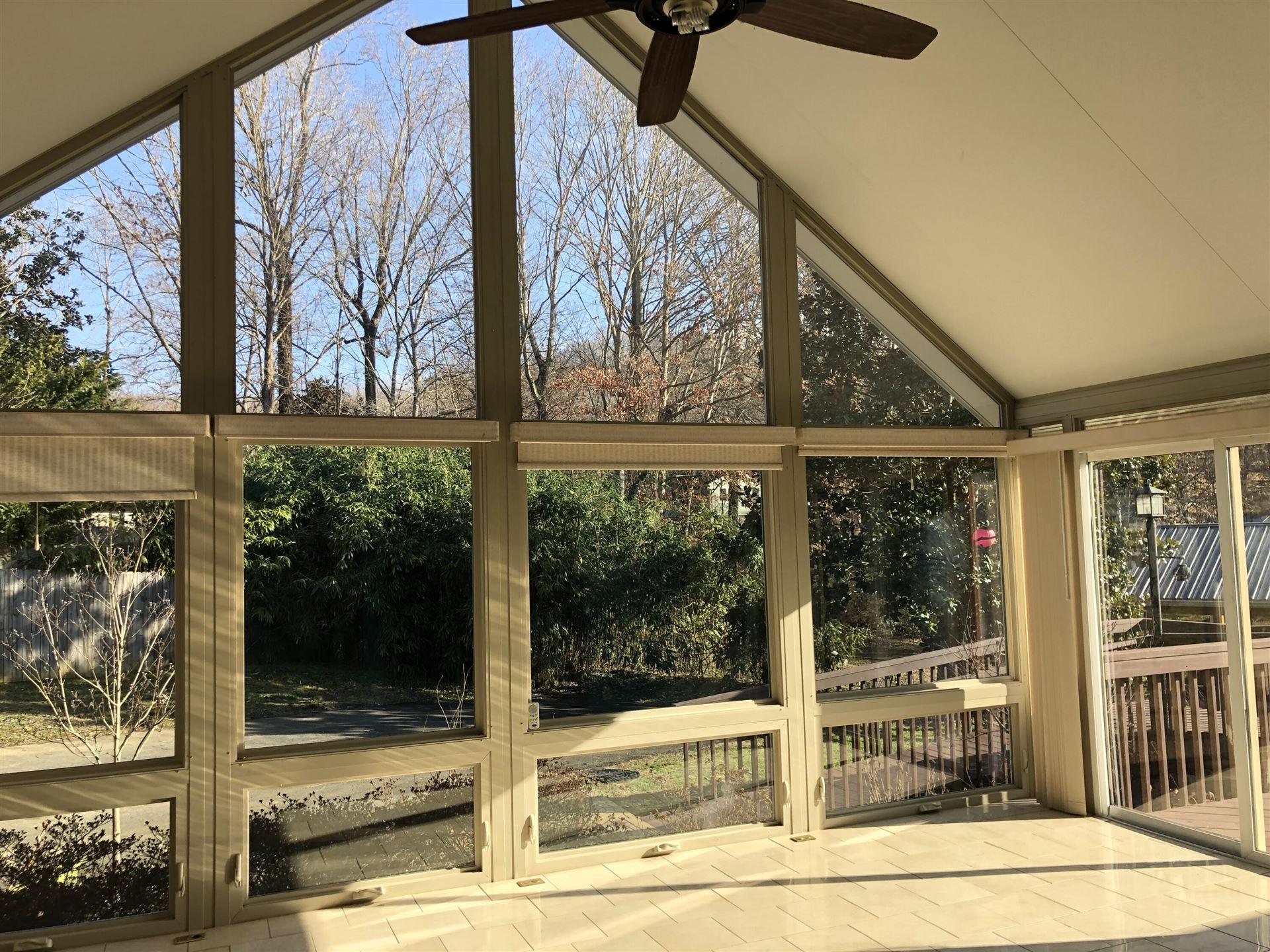 Photo of 122 Brentwood Drive, Oak Ridge, TN 37830 (MLS # 1139674)