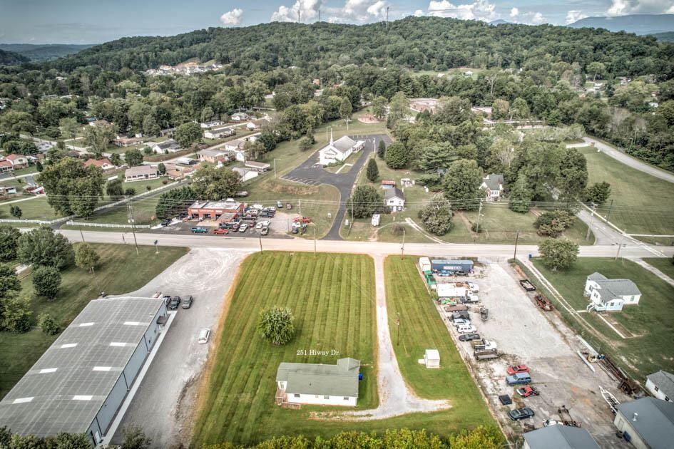 Photo of 251 Hiway Drive, Clinton, TN 37716 (MLS # 1167674)