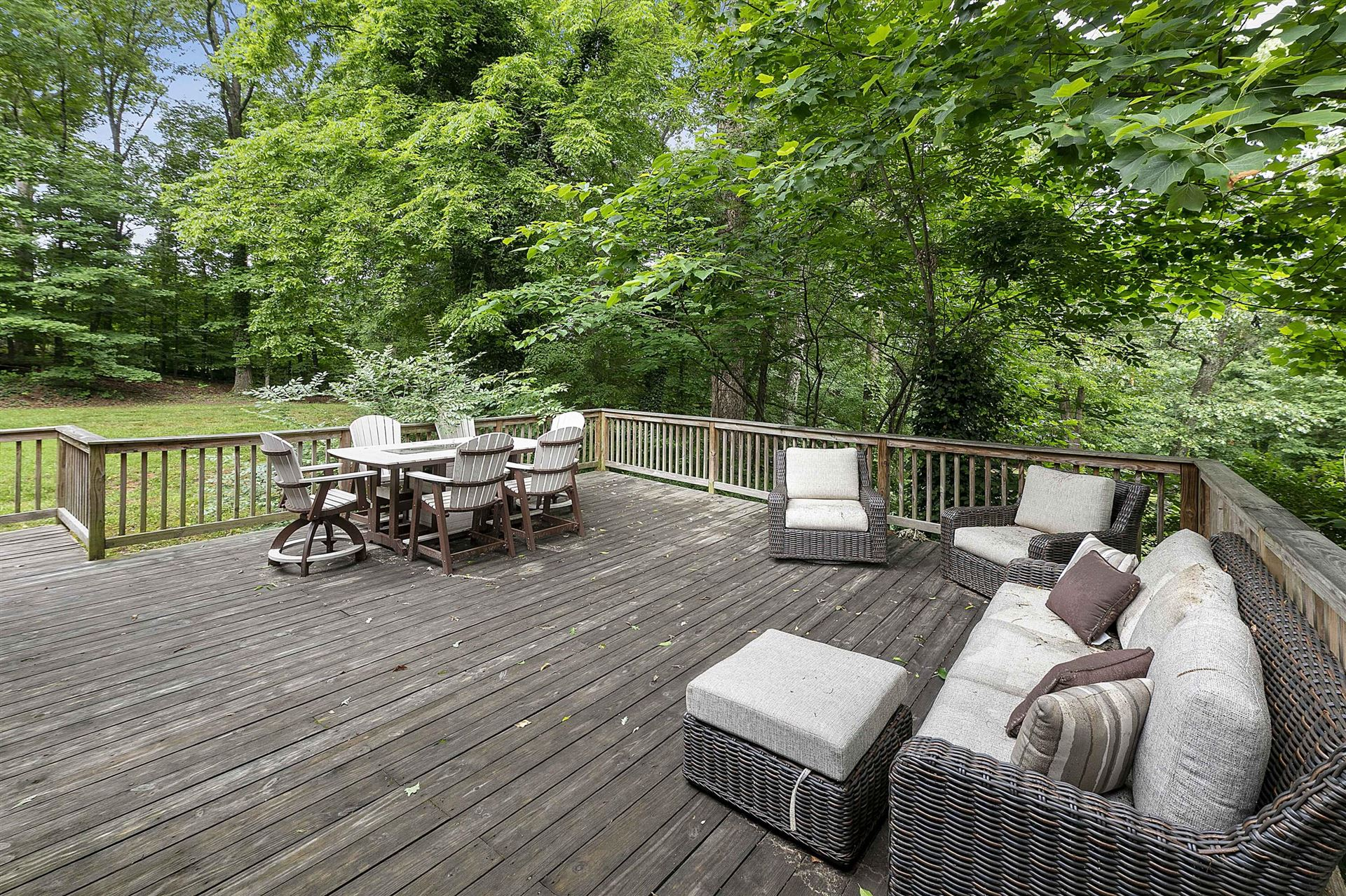 Photo of 1427 Whitower Drive, Knoxville, TN 37919 (MLS # 1156675)