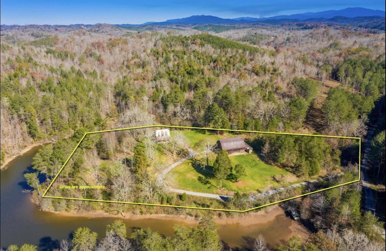 Photo for 340 Bill Moser Rd, Vonore, TN 37885 (MLS # 1136680)