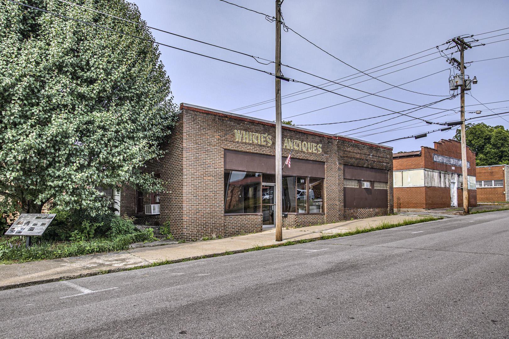Photo of 109 9th Street St, Etowah, TN 37331 (MLS # 1163701)