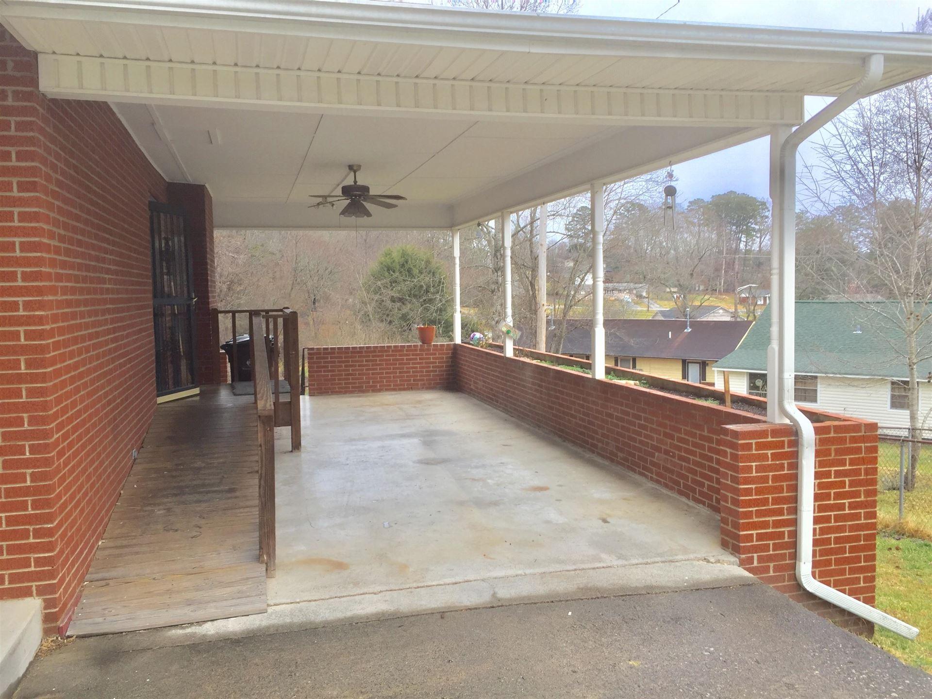 Photo of 102 N Hickory Lane, Oak Ridge, TN 37830 (MLS # 1139707)