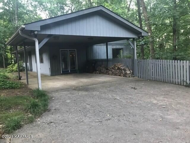 Photo of 907 W Outer Drive, Oak Ridge, TN 37830 (MLS # 1170724)