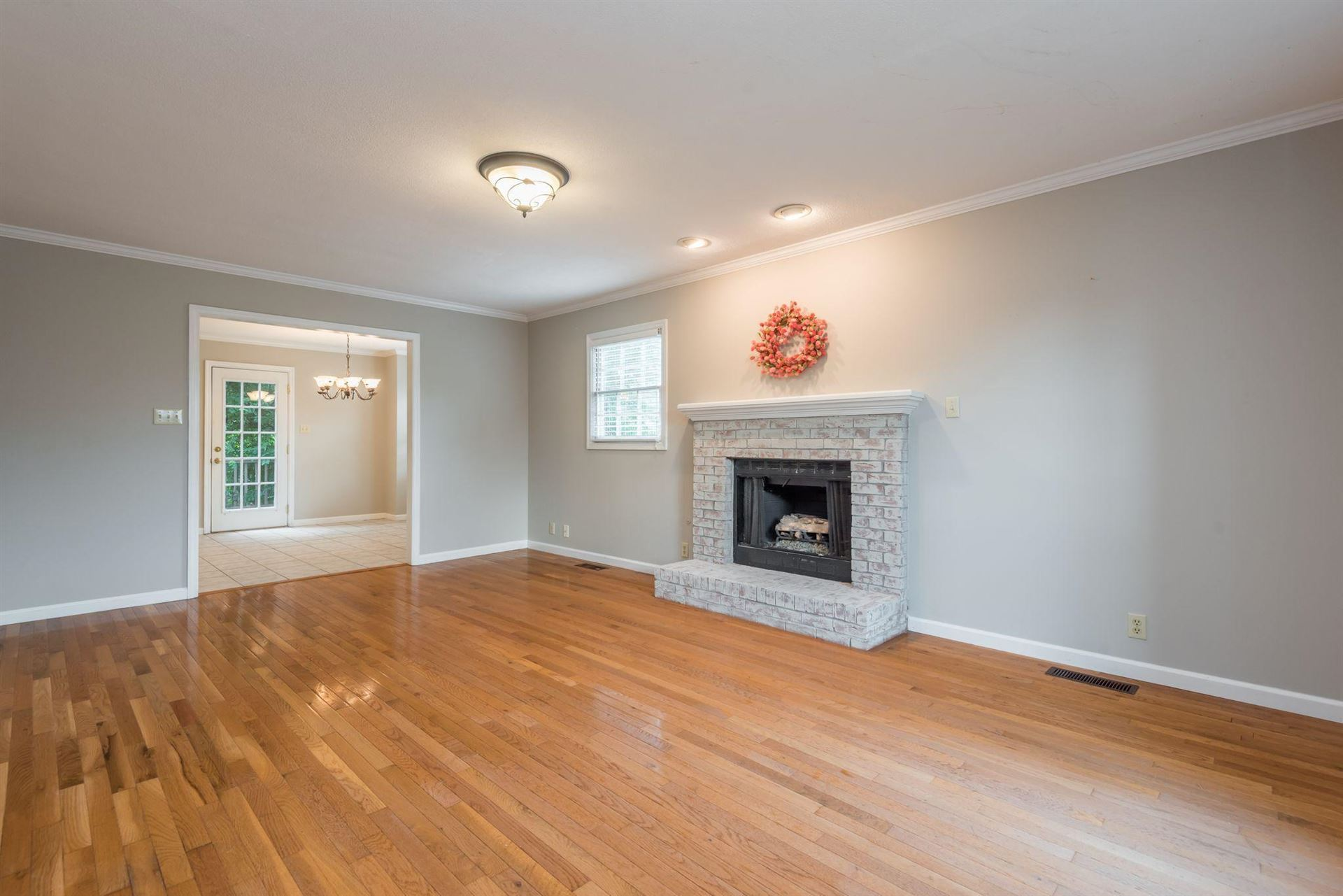Photo of 1617 Scenic Valley Lane, Knoxville, TN 37922 (MLS # 1121748)