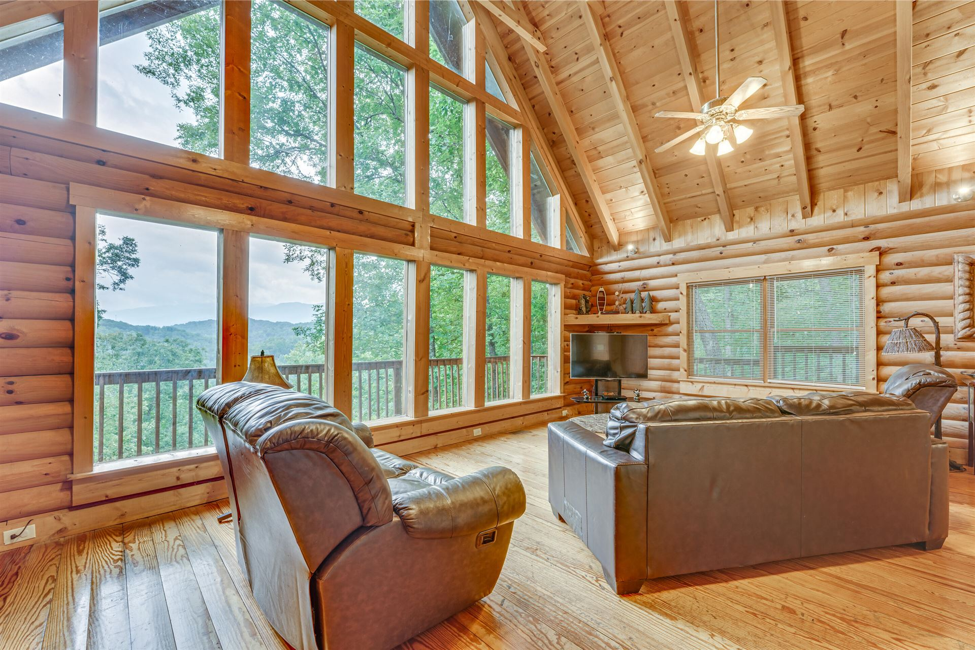 Photo of 4519 Powdermill Estates Rd, Sevierville, TN 37876 (MLS # 1167749)