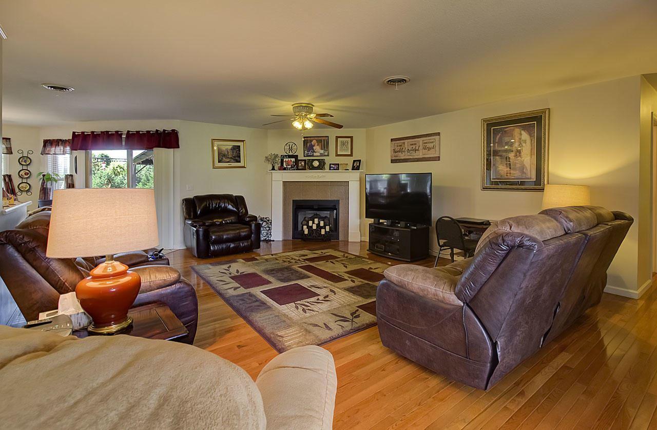 Photo of 1440 Glen Ray Lane, Sevierville, TN 37876 (MLS # 1156769)