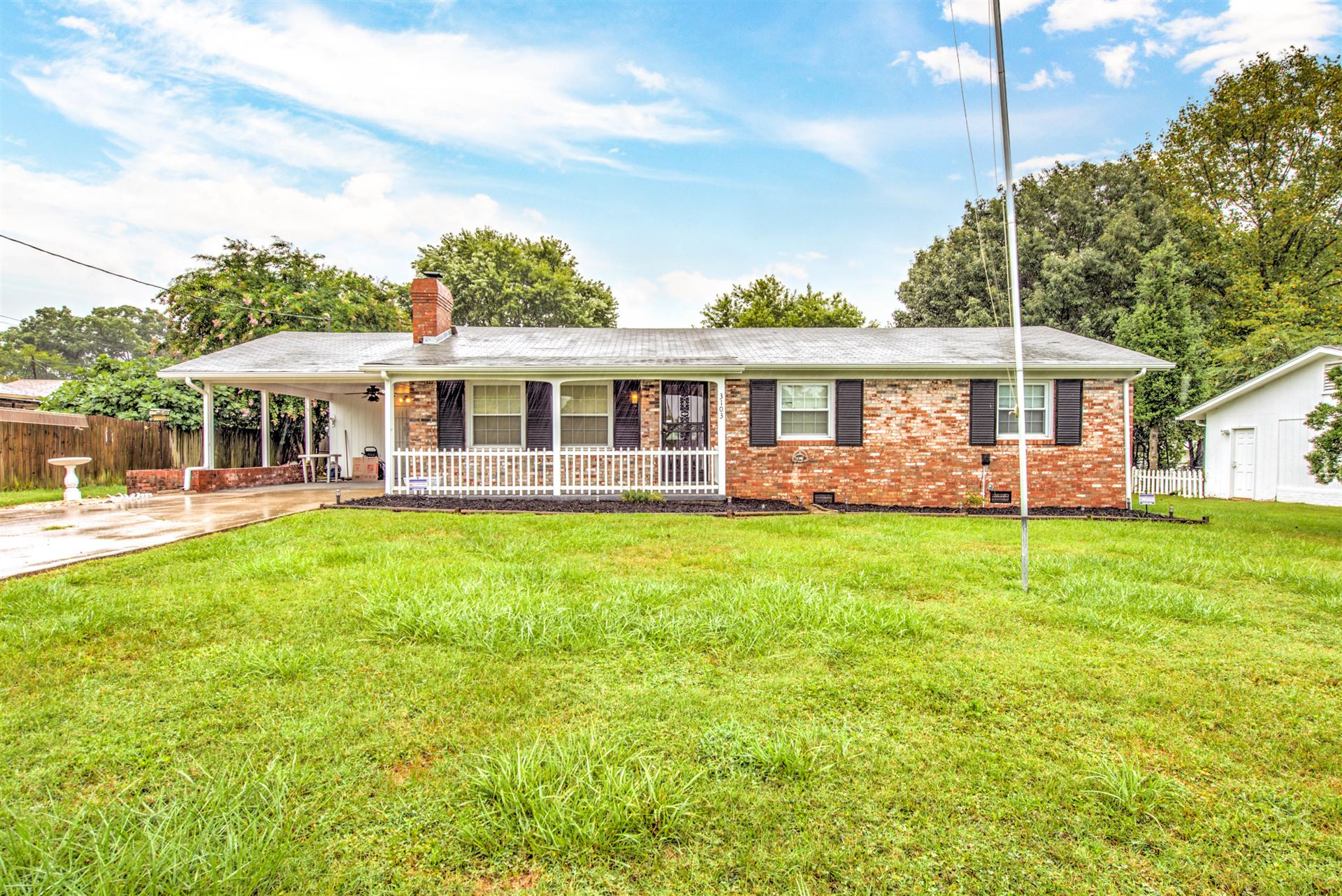 Photo of 3103 NW Sandalwood Rd, Knoxville, TN 37921 (MLS # 1164771)