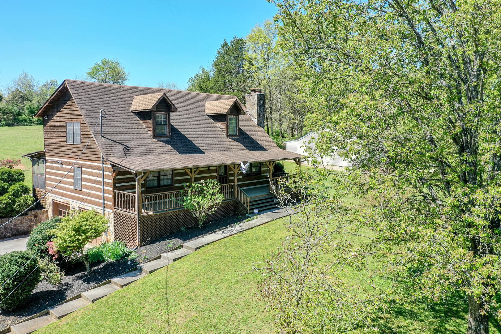 Photo of 4405 Pleasant Ridge Rd, Knoxville, TN 37912 (MLS # 1148779)