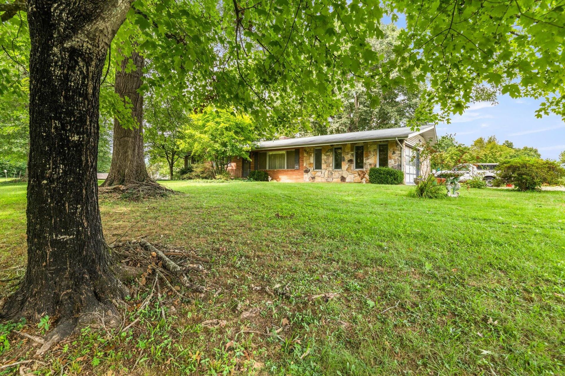 Photo of 10709 Fox Park Lane, Knoxville, TN 37931 (MLS # 1167780)