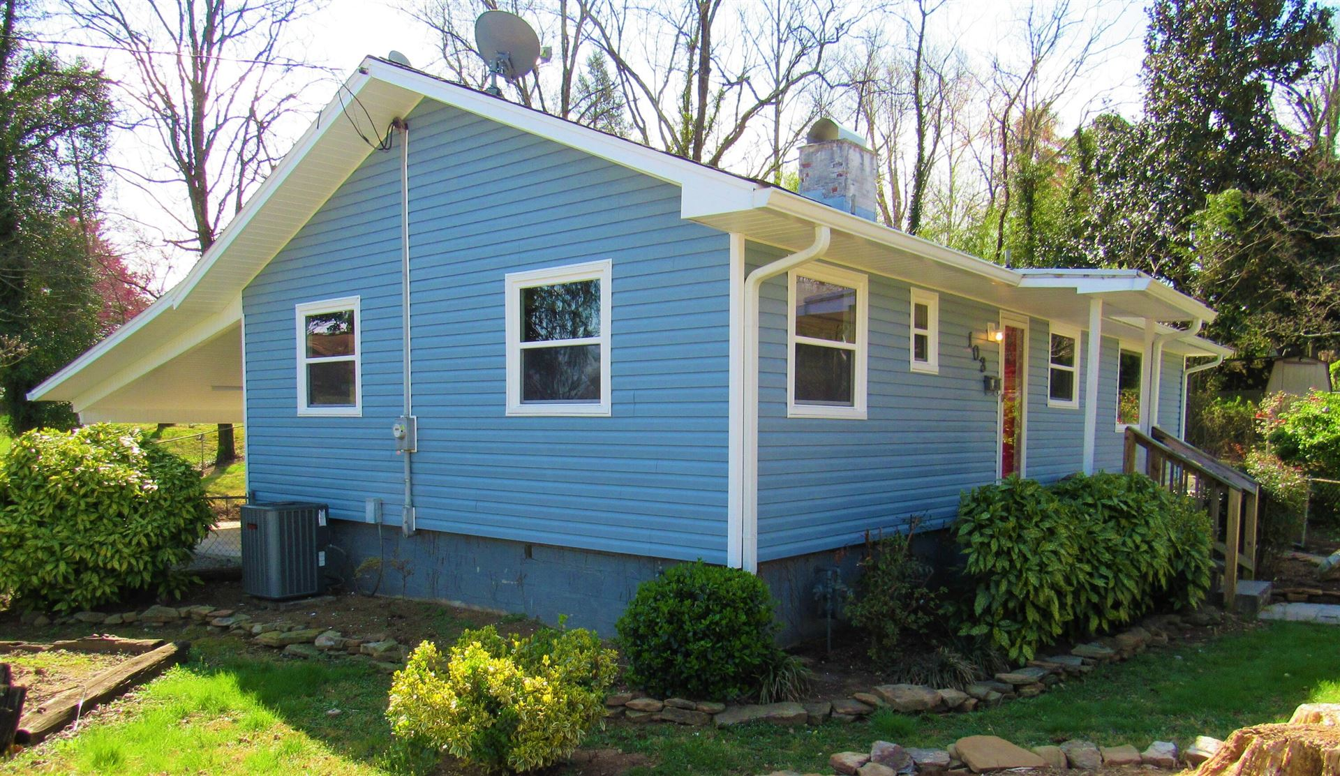 Photo of 103 E Price Rd, Oak Ridge, TN 37830 (MLS # 1146783)