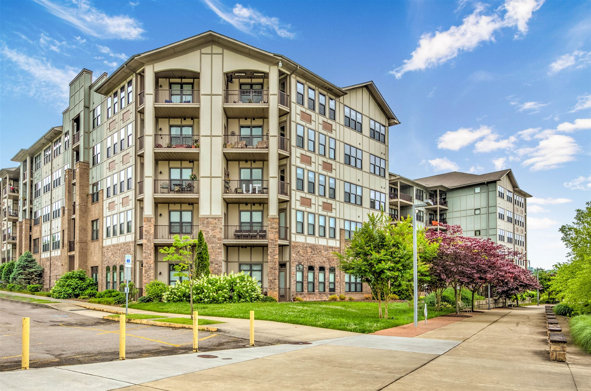 Photo for 445 W Blount Ave #Apt 223, Knoxville, TN 37920 (MLS # 1117797)