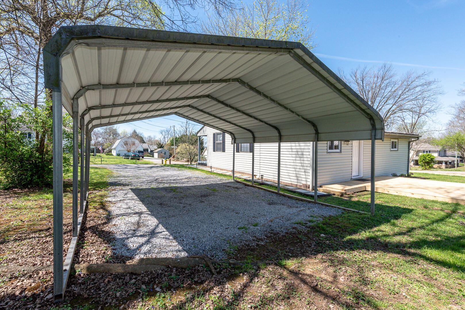 Photo of 106 Bogart Lane, Maryville, TN 37804 (MLS # 1147800)