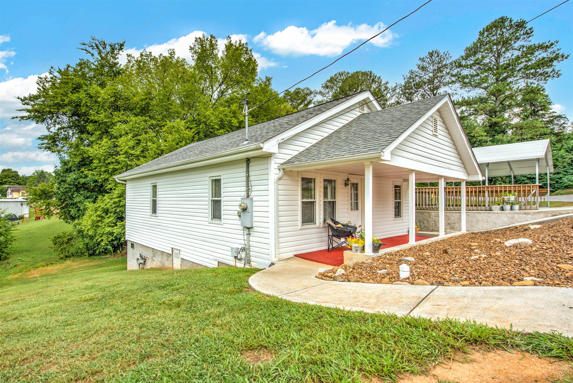 Photo of 504 Park Ave, Clinton, TN 37716 (MLS # 1160828)