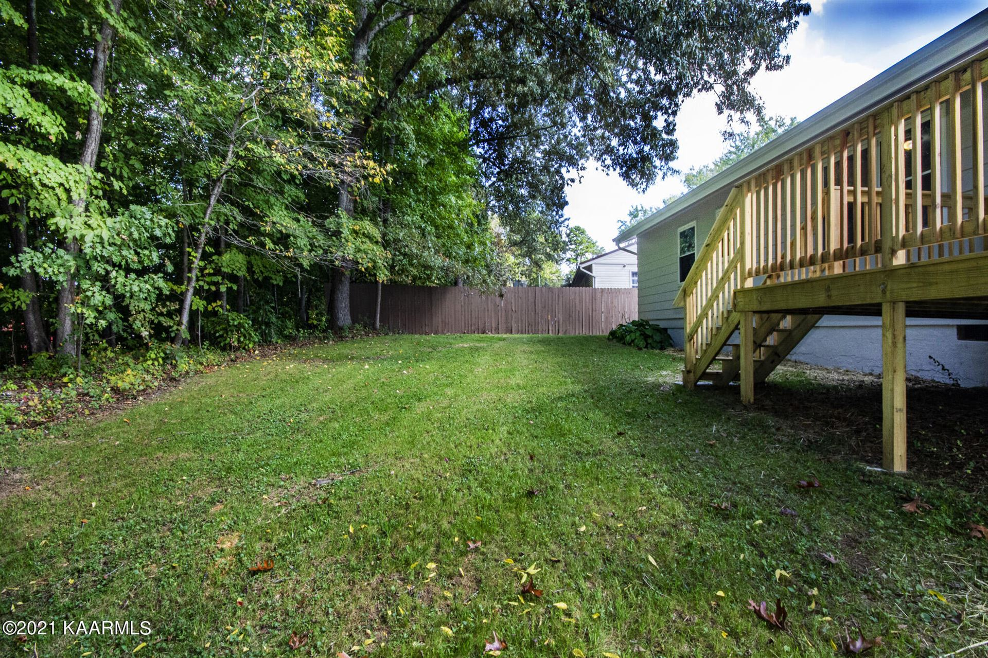 Photo of 6123 Cougar Drive, Knoxville, TN 37921 (MLS # 1170831)