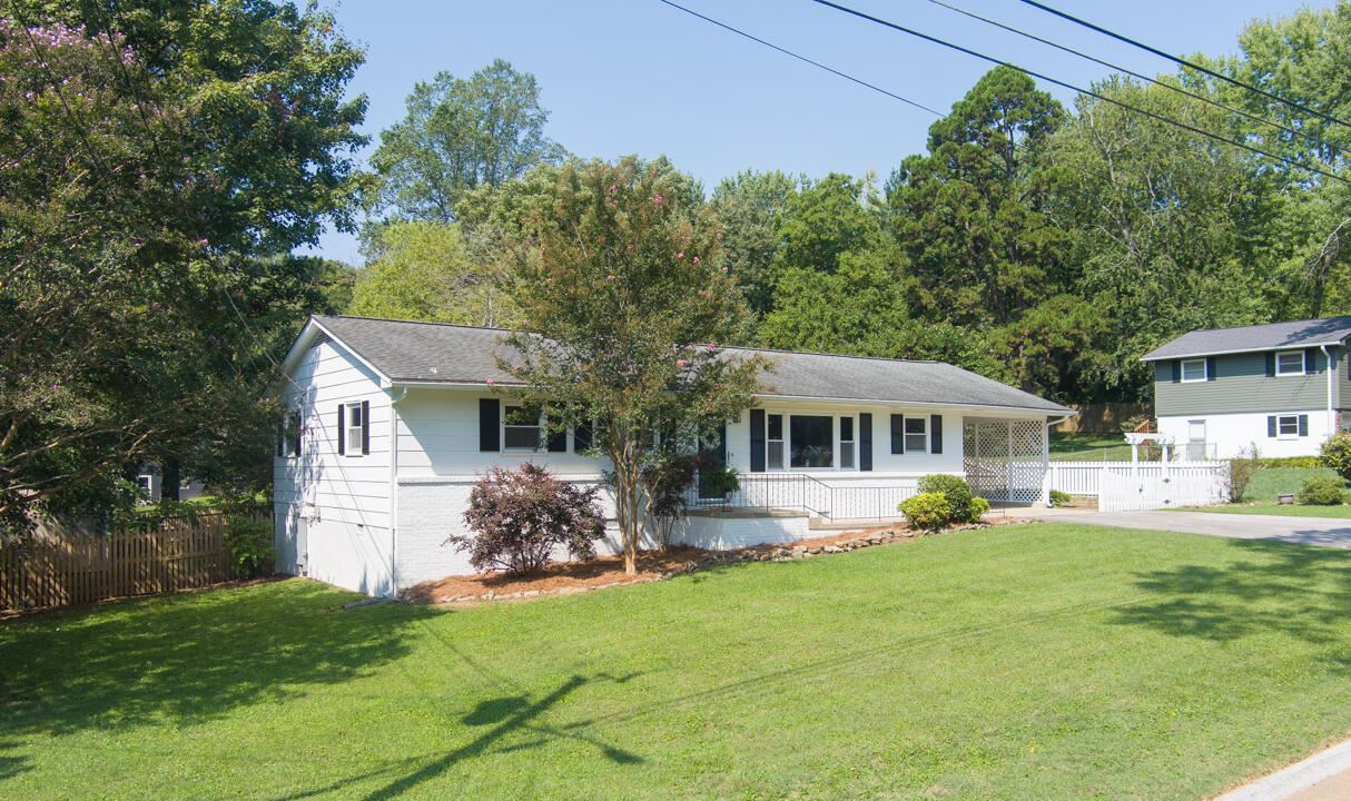 Photo of 725 Cessna Rd, Knoxville, TN 37919 (MLS # 1167834)