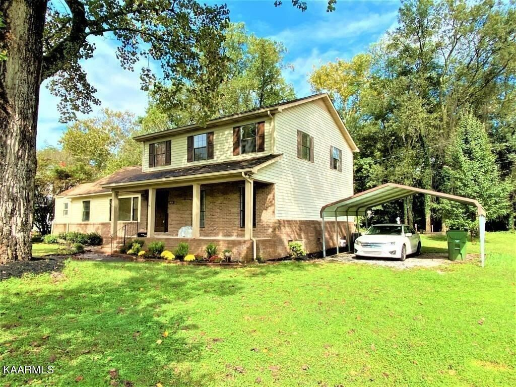 Photo of 1011 Sevierville Rd, Maryville, TN 37804 (MLS # 1171835)