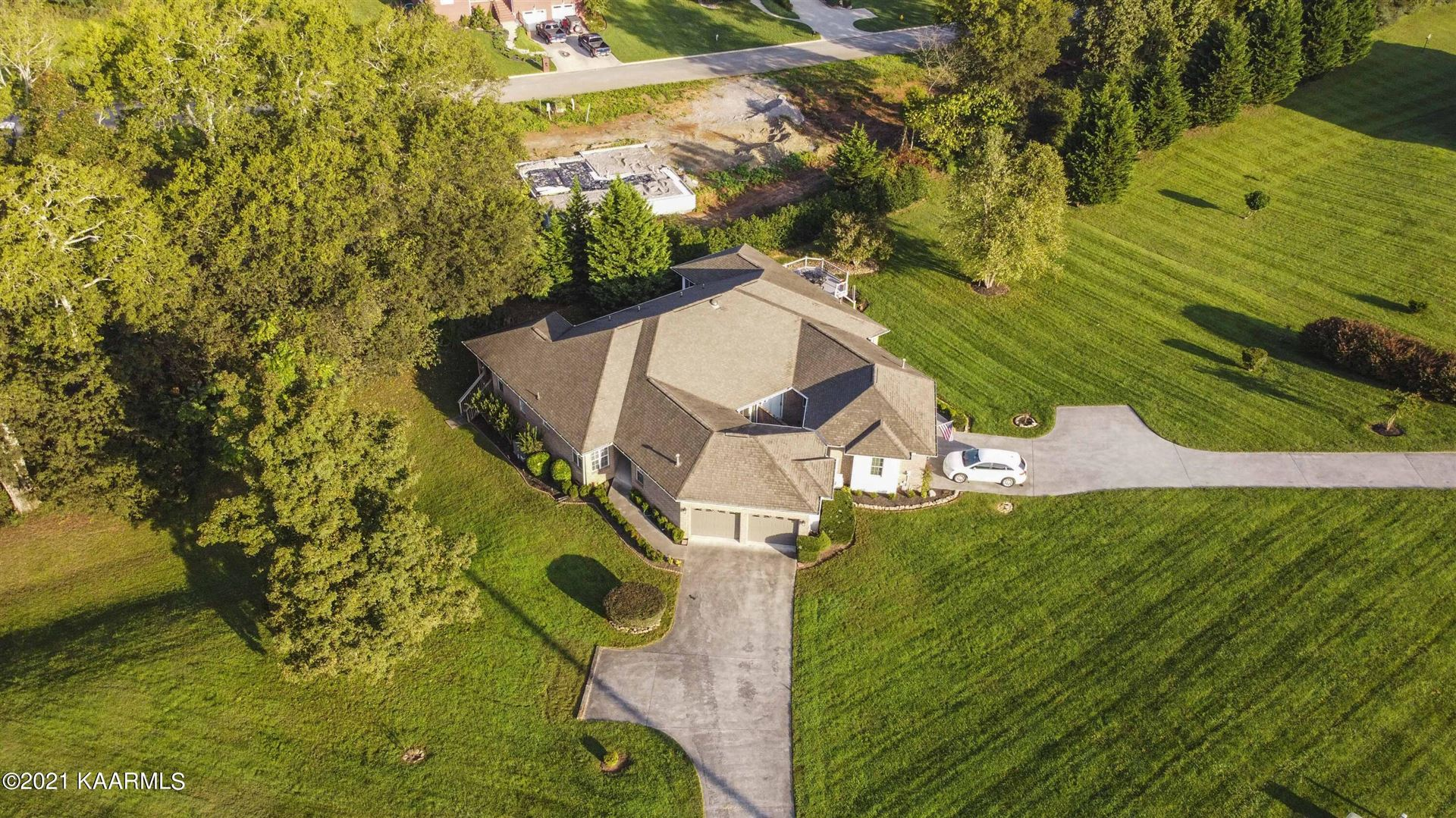 Photo of 180 Hidden Oaks Lane, Lenoir City, TN 37772 (MLS # 1170844)