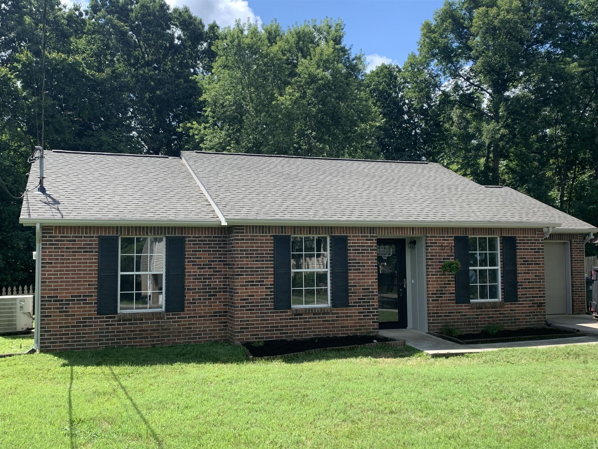 Photo of 1628 Sundrop Drive, Knoxville, TN 37921 (MLS # 1164845)