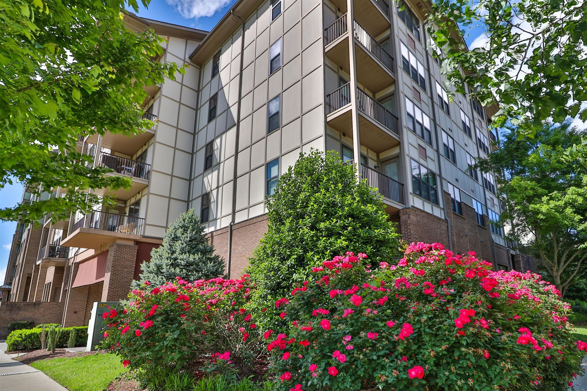 Photo for 445 W. Blount Avenue #302, Knoxville, TN 37920 (MLS # 1117858)