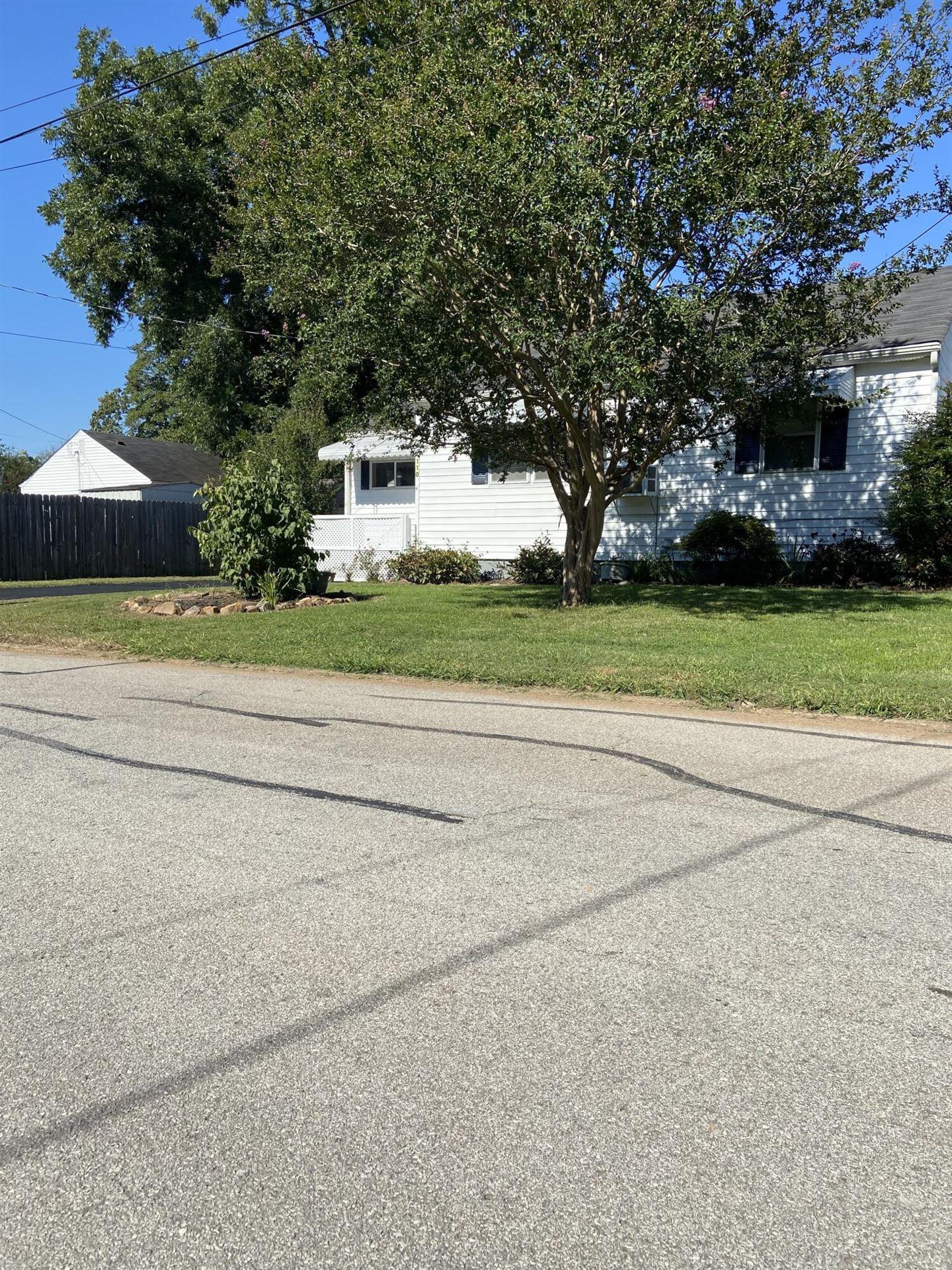 Photo of 110 N Magnolia St, Maryville, TN 37801 (MLS # 1169860)