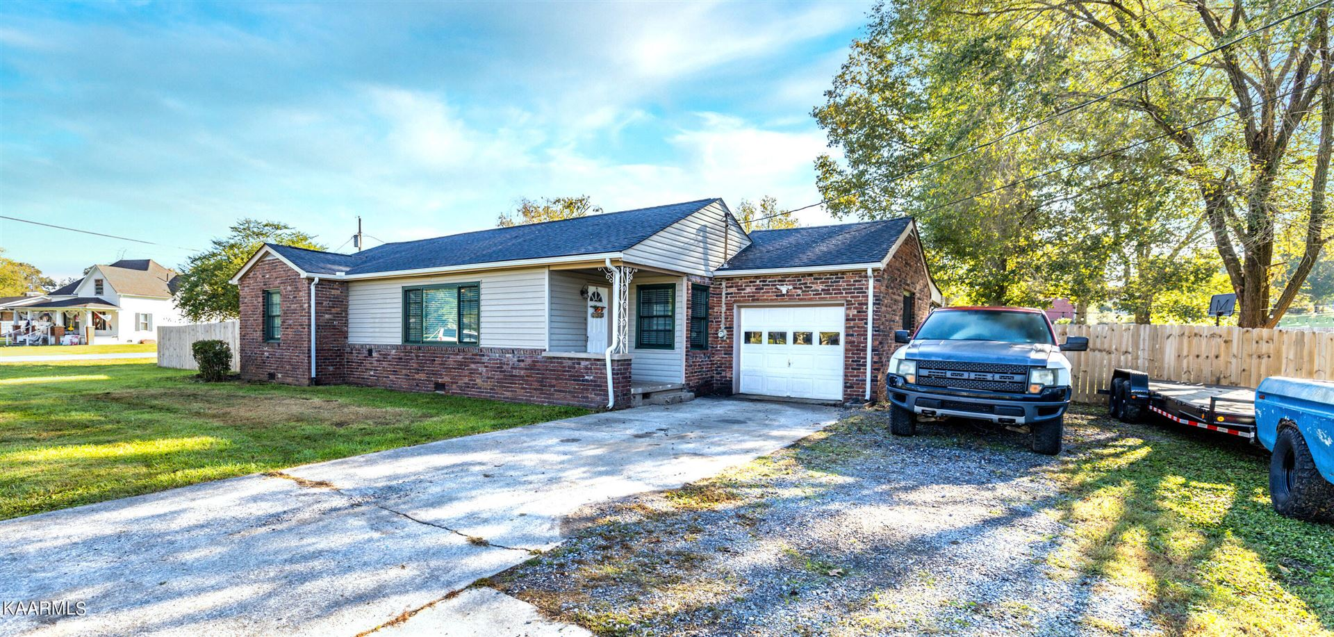 Photo of 2920 Byington Beaver Ridge Rd, Knoxville, TN 37931 (MLS # 1171865)