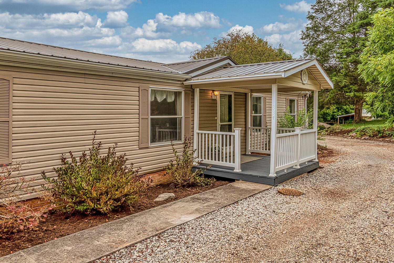 Photo of 334 Fancy Meadows Rd, Strawberry Plains, TN 37871 (MLS # 1167870)