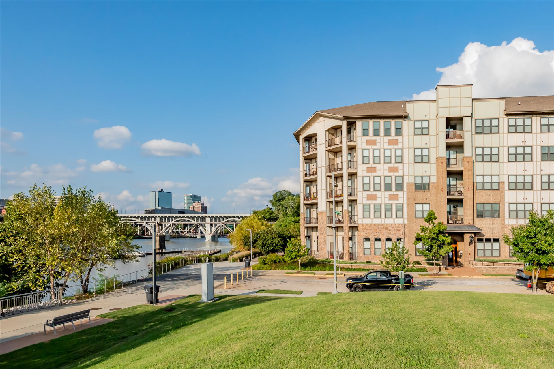Photo for 445 W Blount Ave #102, Knoxville, TN 37920 (MLS # 1131877)