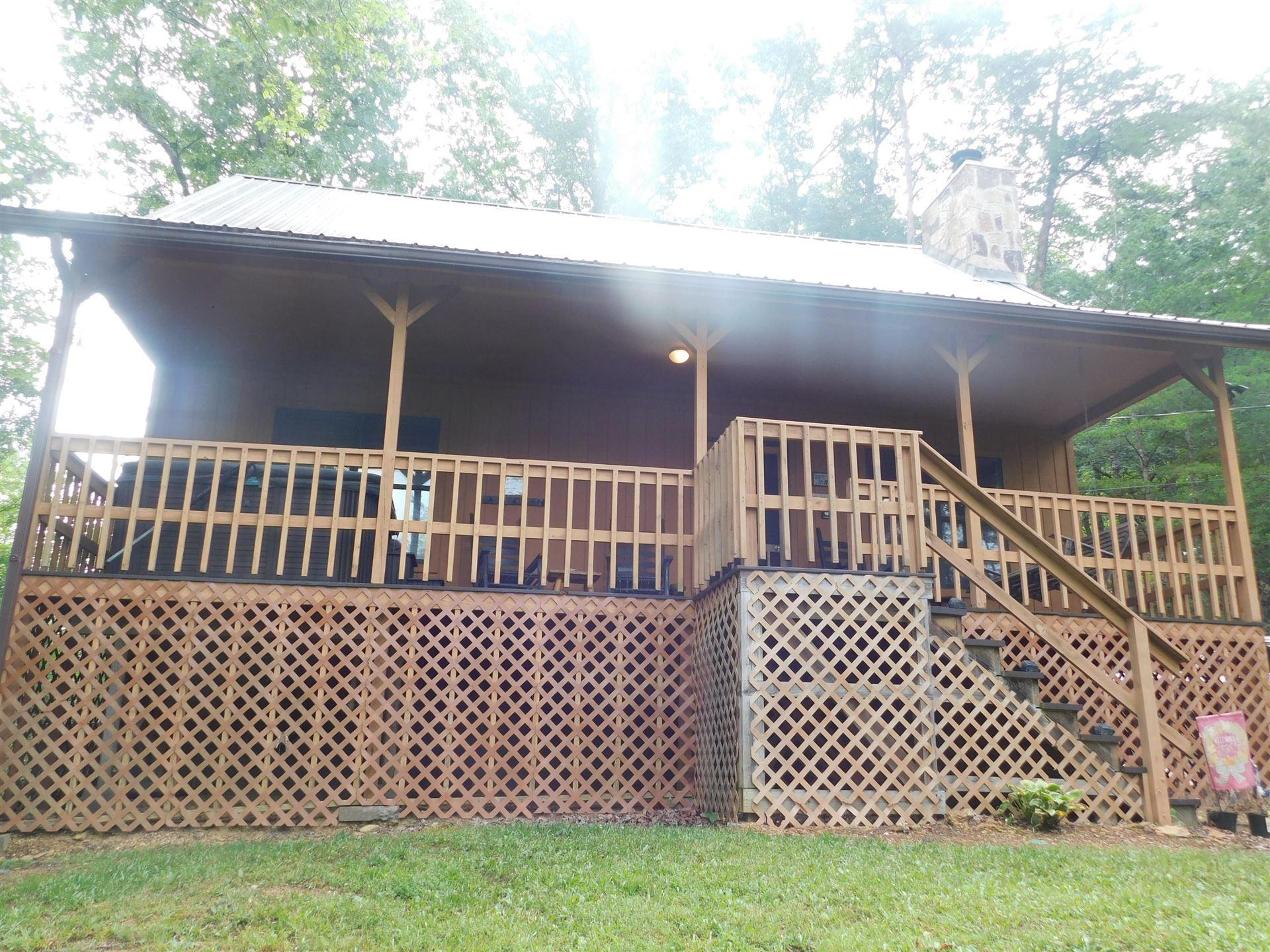 Photo of 3117 Bear Mountain Lane, Sevierville, TN 37876 (MLS # 1160879)