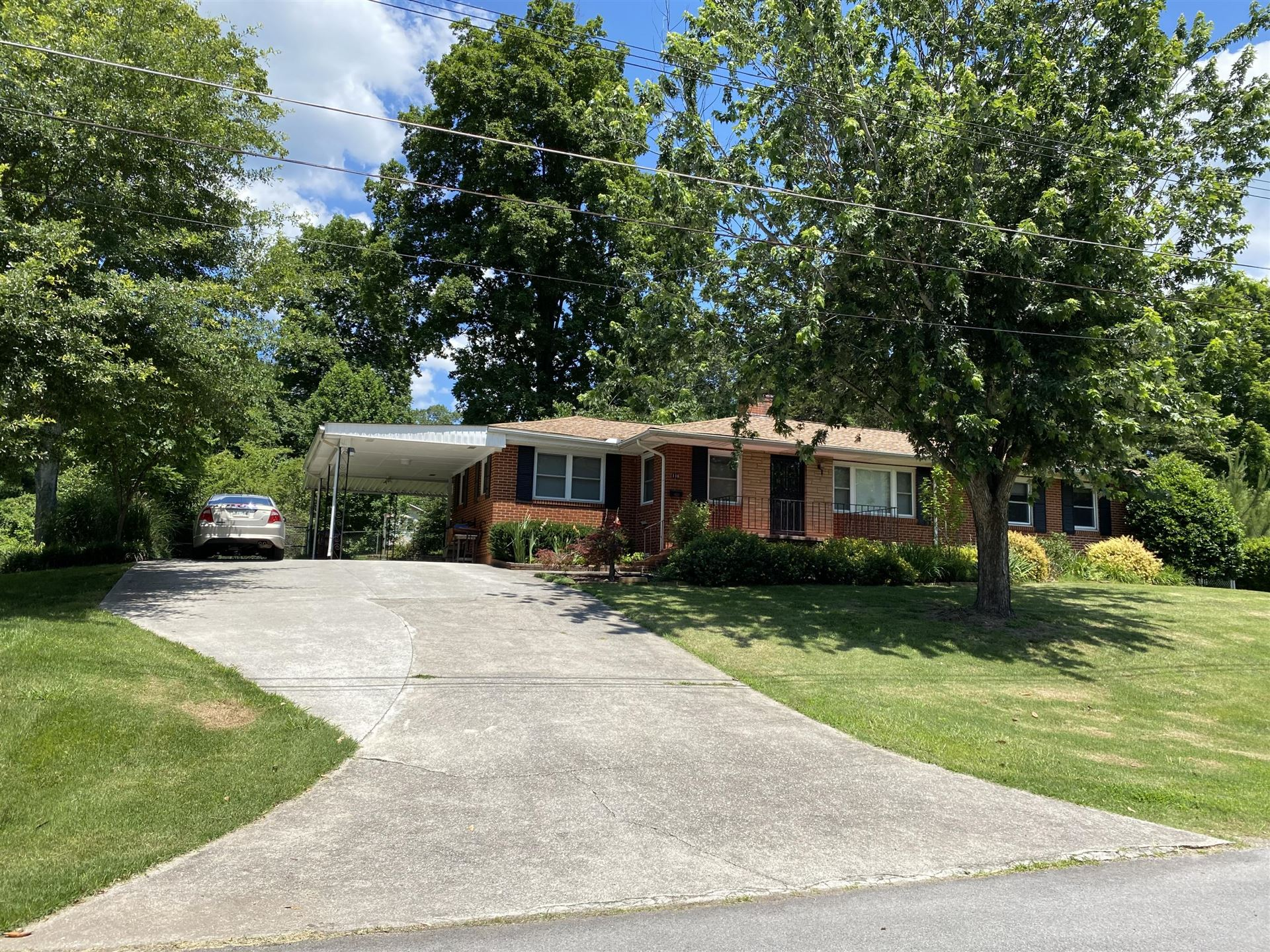 Photo of 116 W Maiden Lane, Oak Ridge, TN 37830 (MLS # 1156905)