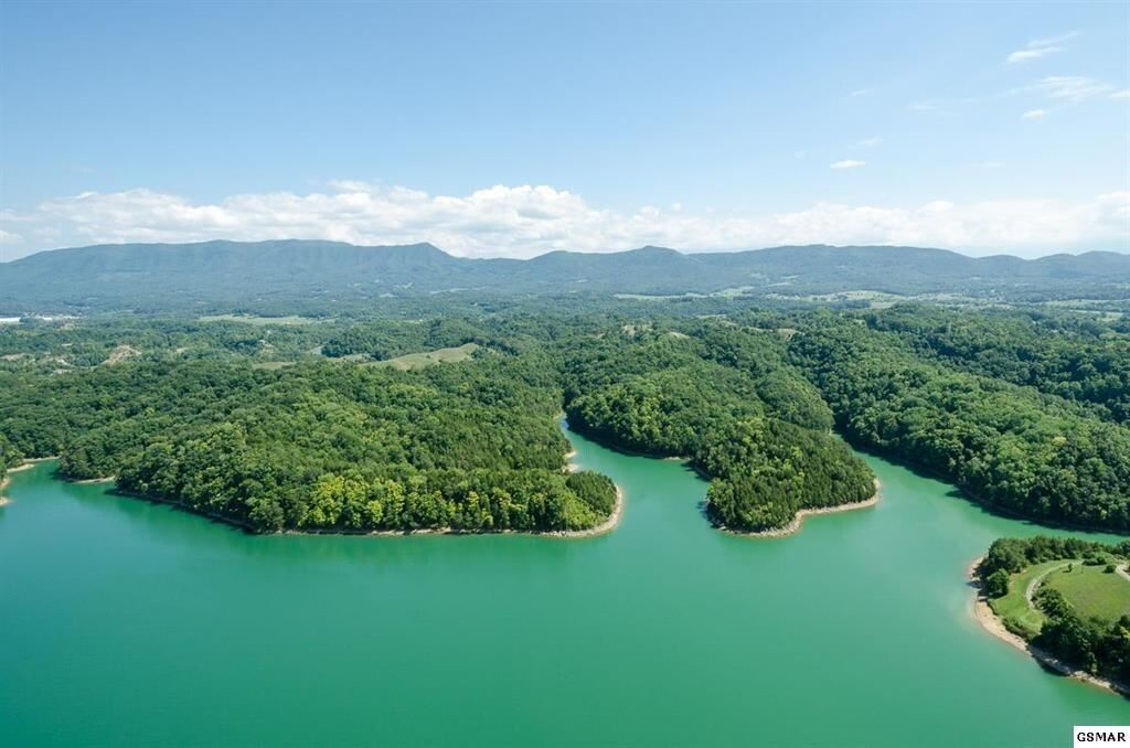Photo of 1373 Lake Haven Way, Sevierville, TN 37876 (MLS # 1166922)