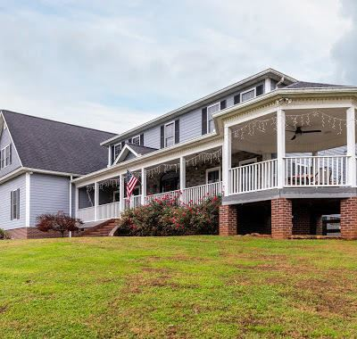 Photo of 1521 Broad River Lane, Sevierville, TN 37876 (MLS # 1136924)