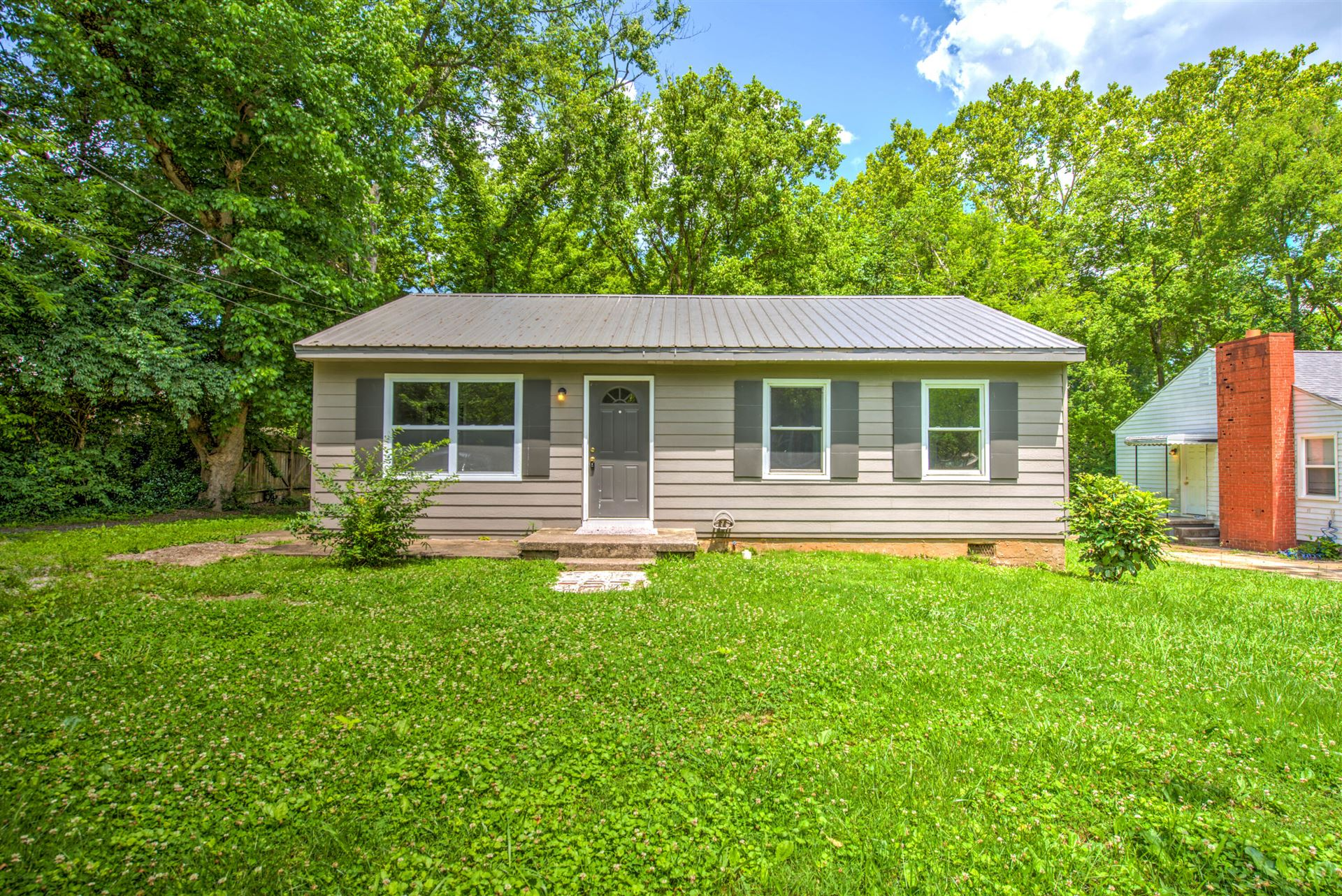 Photo of 523 Avenue A, Knoxville, TN 37920 (MLS # 1154940)