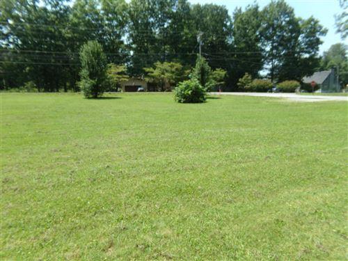Photo of 1655 E Cherokee Rd E Rd, Crossville, TN 38572 (MLS # 1161949)