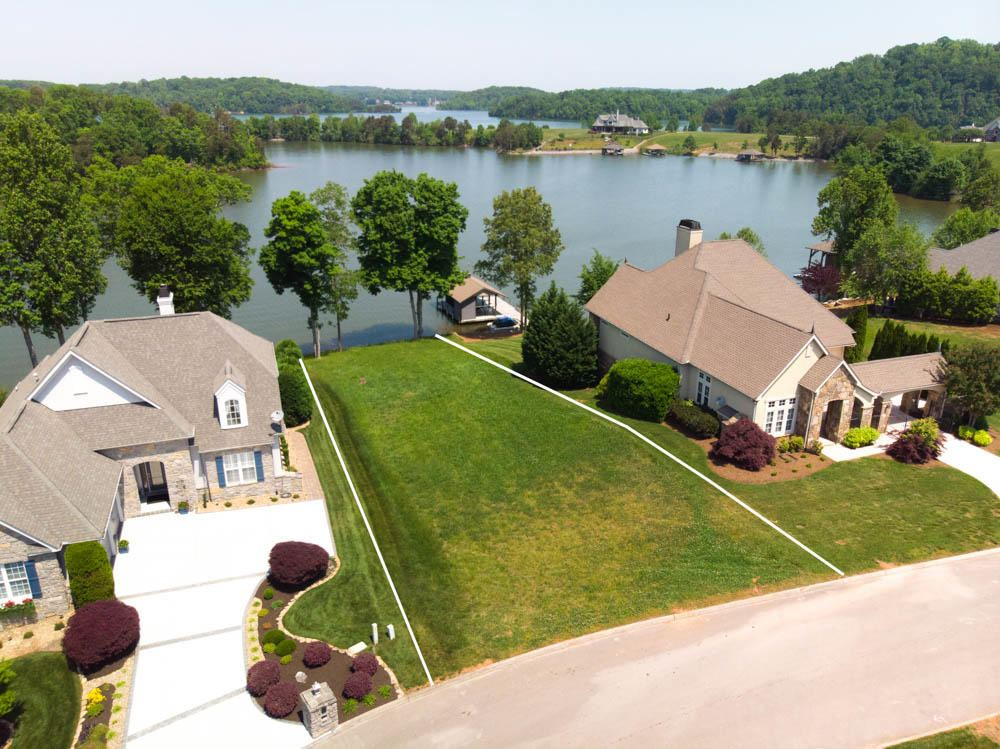 Photo for 1670 Rarity Bay Pkwy, Vonore, TN 37885 (MLS # 1093957)