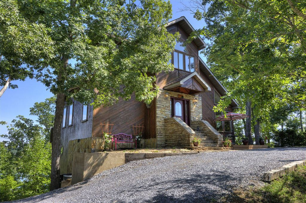 Photo of 2736 Windy Cove Way, Sevierville, TN 37876 (MLS # 1077966)