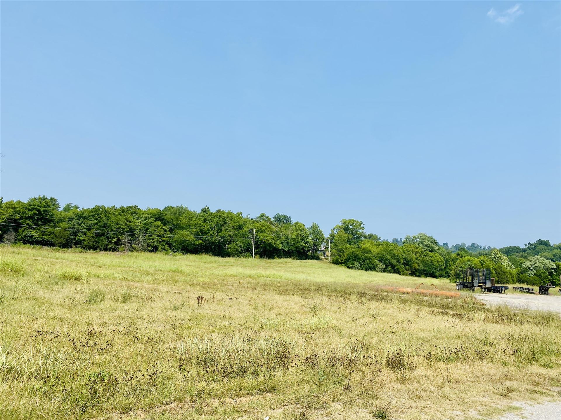 Photo of 224 HIGHWAY 25 E S Hwy, Tazewell, TN 37879 (MLS # 1161968)
