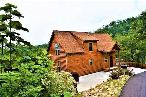 Photo of 1208 pine top Lane, Gatlinburg, TN 37738 (MLS # 1167971)