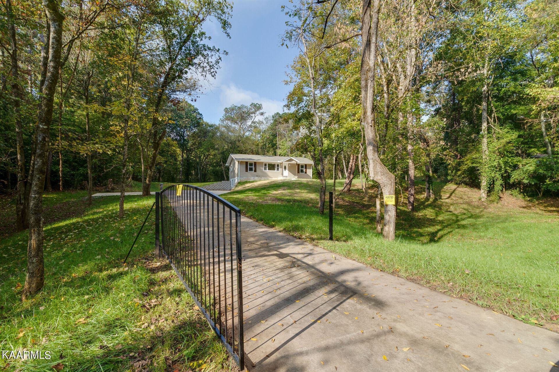Photo of 3705 Harris Rd, Knoxville, TN 37918 (MLS # 1170978)