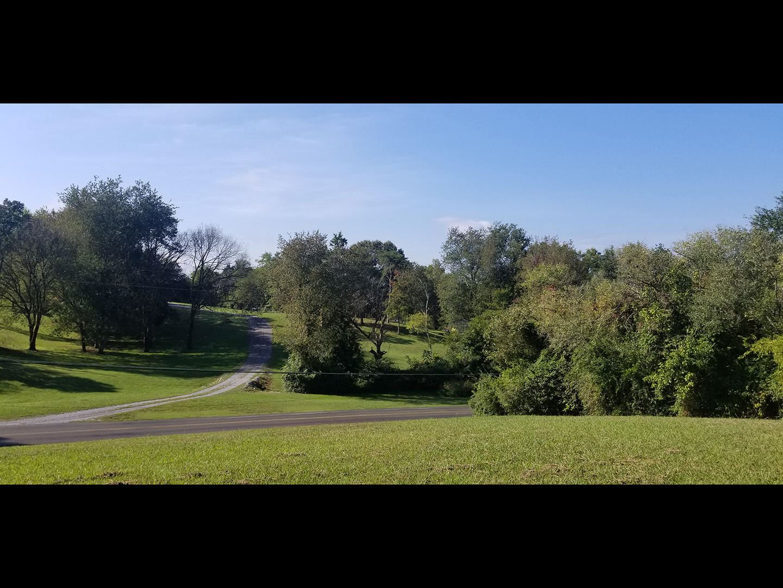Photo of 1412 Twin Oaks Rd, Sevierville, TN 37876 (MLS # 1131985)
