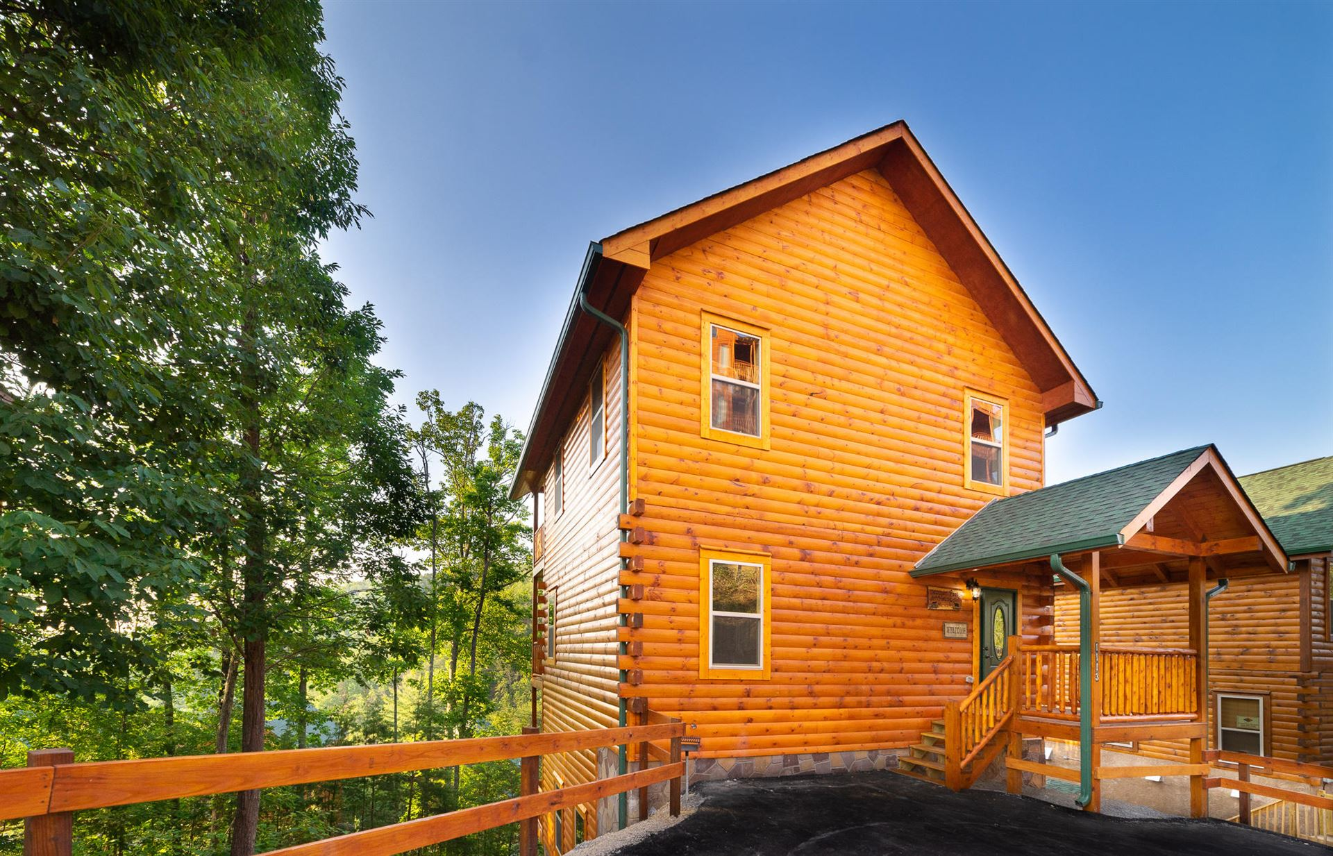 Photo of 1010 Timber Woods Dr, Sevierville, TN 37862 (MLS # 1139986)