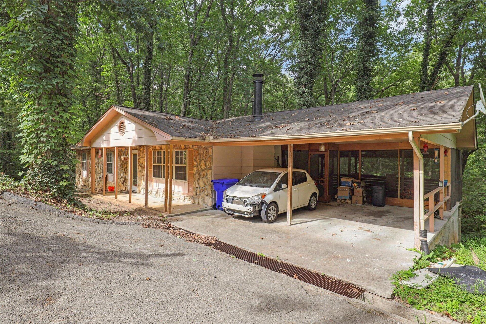 Photo of 111 Wood Ridge Lane, Oak Ridge, TN 37830 (MLS # 1165997)