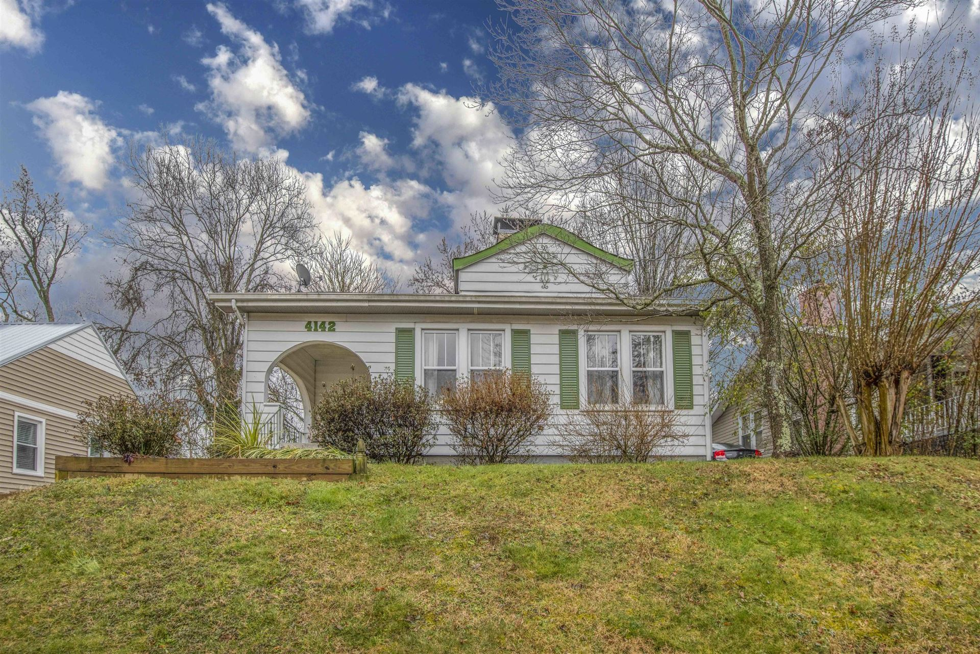 Photo of 4142 Walker Blvd, Knoxville, TN 37919 (MLS # 1140999)