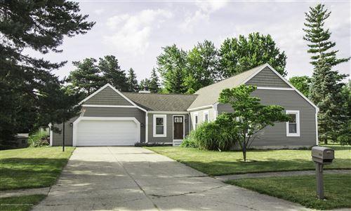 Photo of 1504 Bentbrook Circle, Lansing, MI 48917 (MLS # 247226)