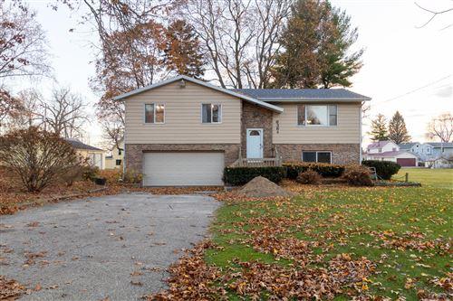 Photo of 6384 W Lake Drive, Haslett, MI 48840 (MLS # 251332)