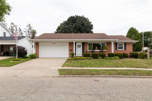 Photo of 1208 Ravenswood Drive, Lansing, MI 48917 (MLS # 259343)