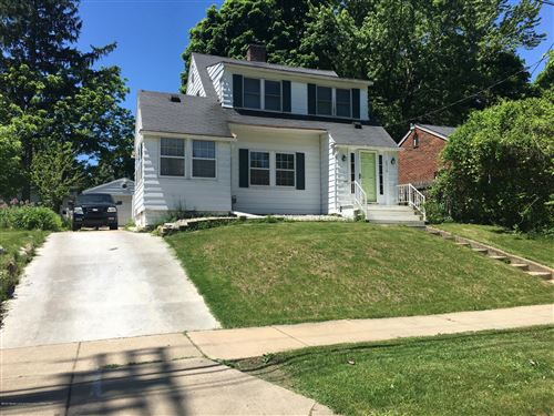 Photo of 2510 Teel Avenue, Lansing, MI 48910 (MLS # 246438)