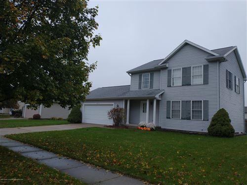 Photo of 3810 Wynbrooke Drive, Lansing, MI 48906 (MLS # 251450)