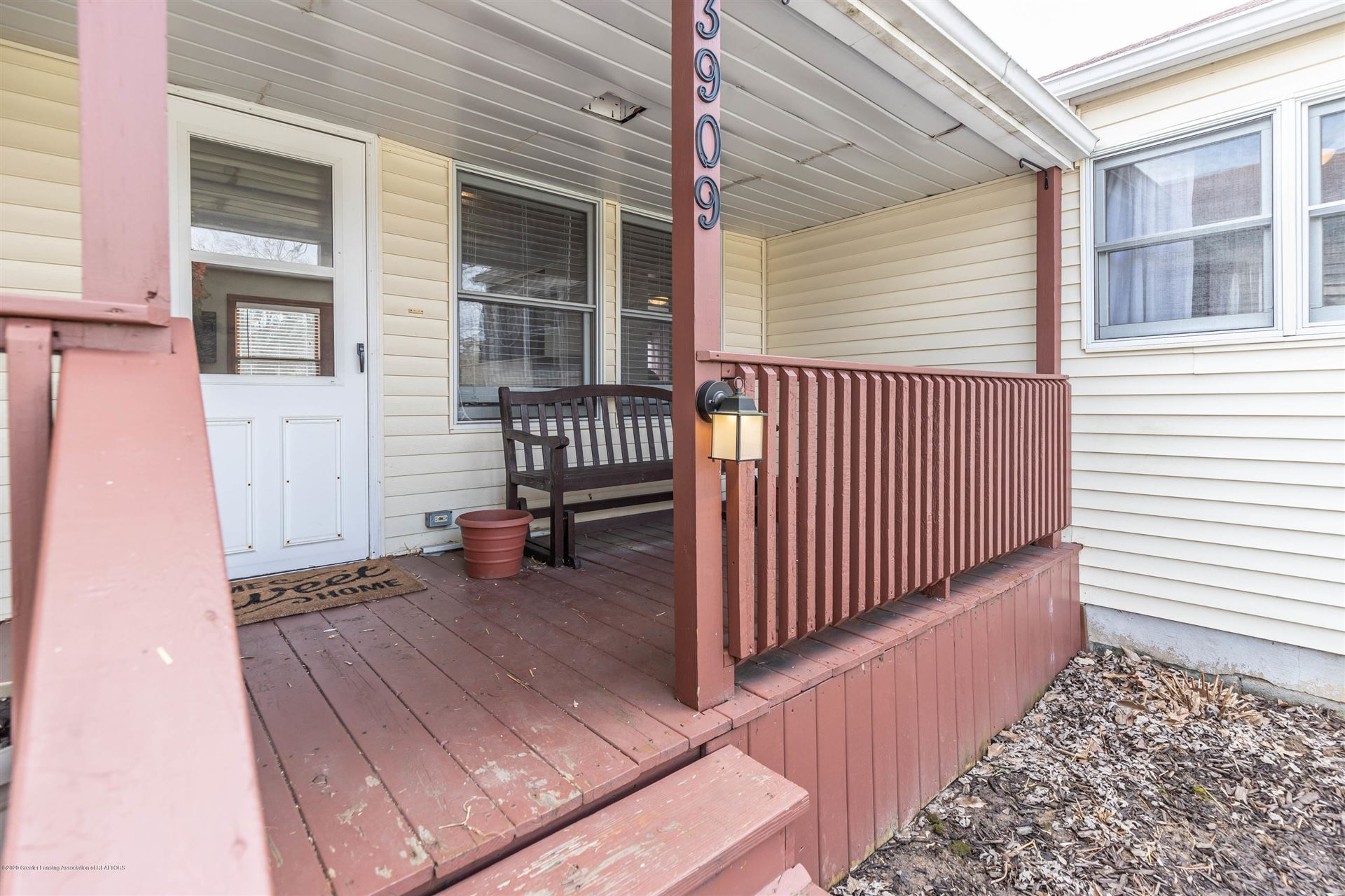 Photo of 3909 W Willow Highway, Lansing, MI 48917 (MLS # 244667)