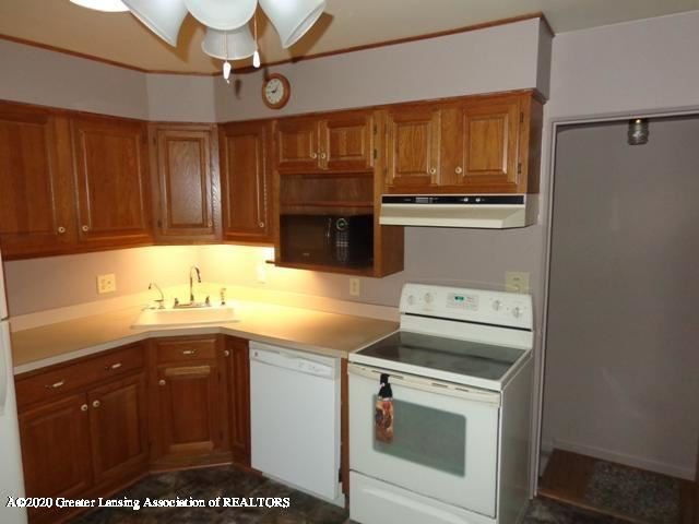 Photo of 2006 Carvel Court, Lansing, MI 48910 (MLS # 244669)