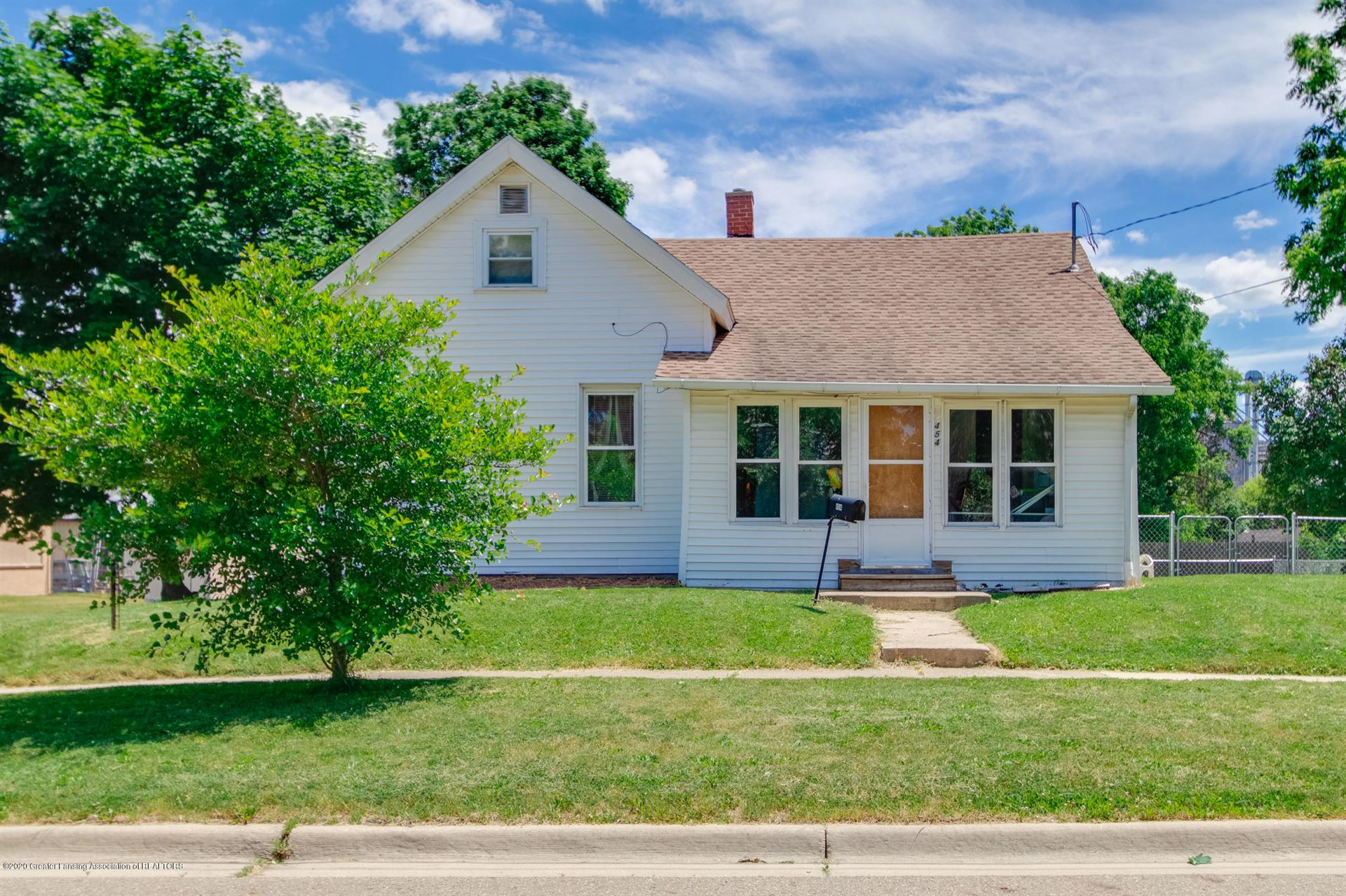 Photo of 454 N Sheldon Street, Charlotte, MI 48813 (MLS # 243775)